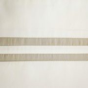 swatch_ribbons_ivory_candlelight