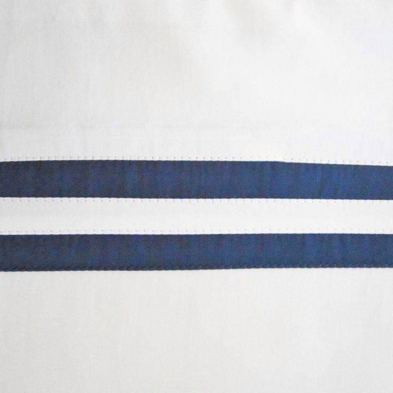 swatch_ribbons_white_navy